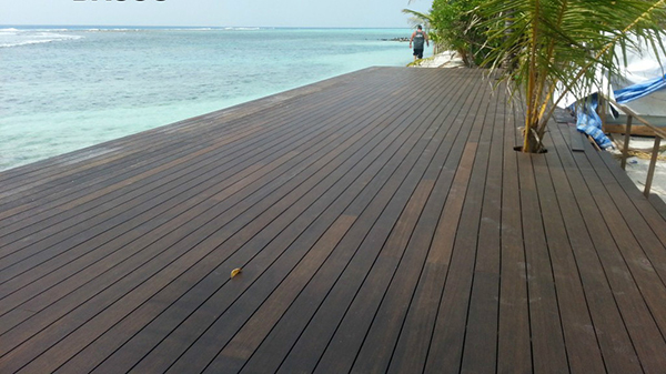 Wood Decking OR Bamboo Decking Composite vs Bamboo